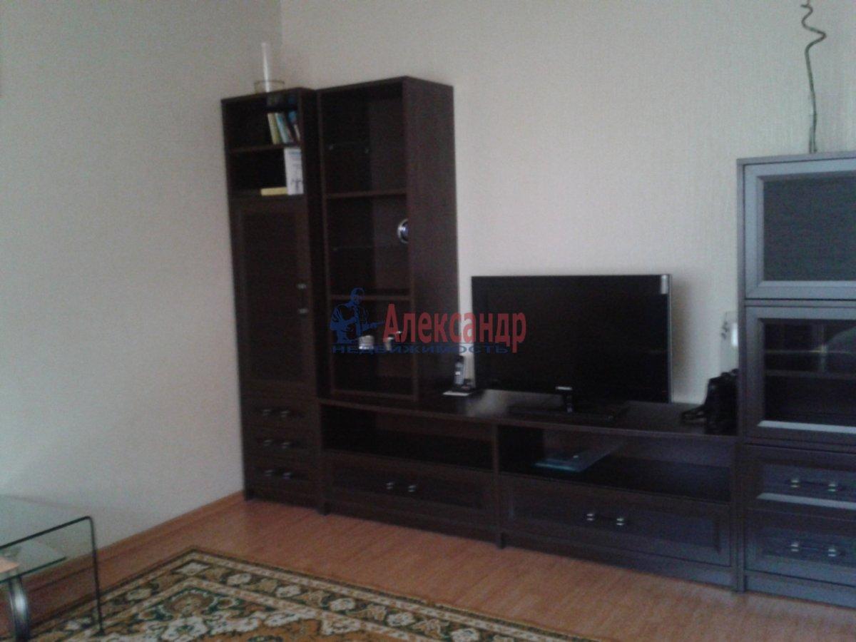 2-комнатная квартира (75м2) в аренду по адресу Туристская ул., 28— фото 2 из 6