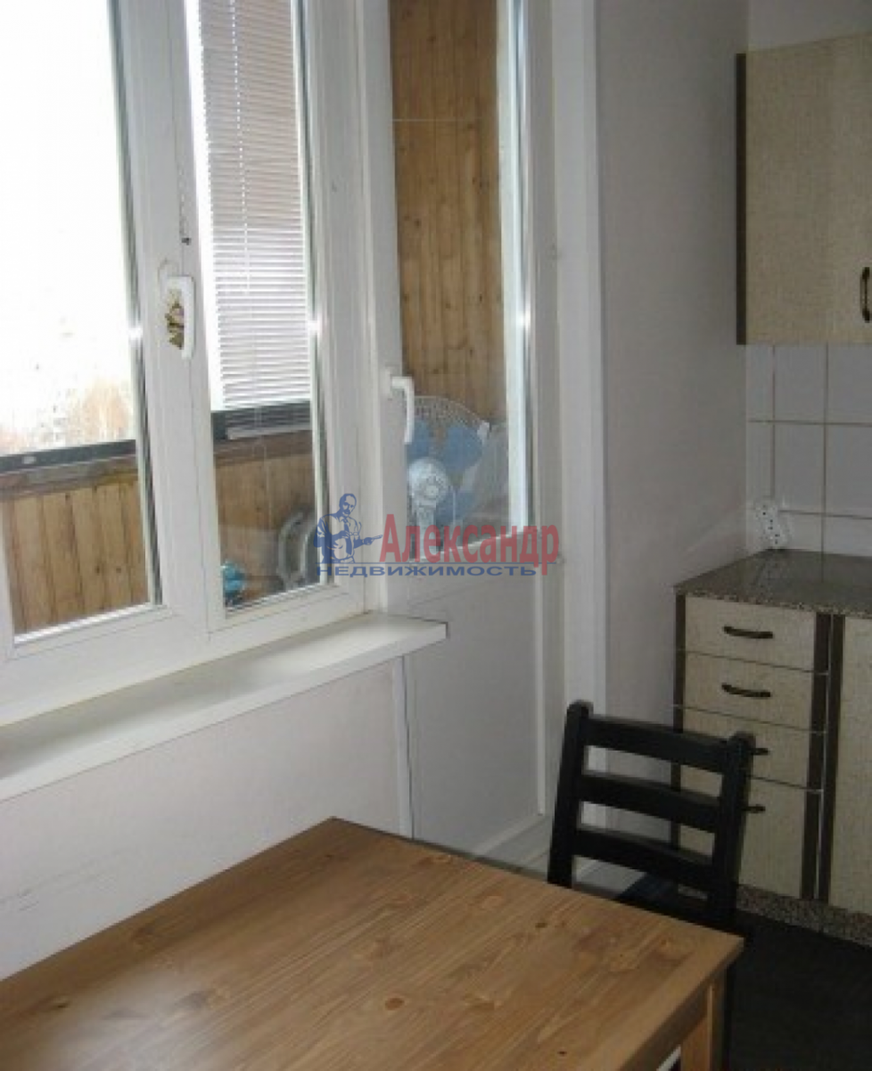 2-комнатная квартира (53м2) в аренду по адресу Наличная ул., 36— фото 5 из 7