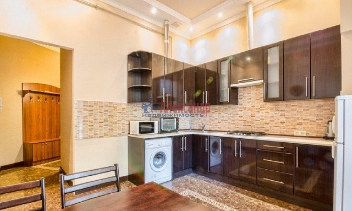 2-комнатная квартира (70м2) в аренду по адресу Богатырский пр., 49— фото 4 из 9