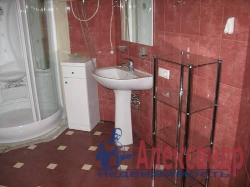 2-комнатная квартира (68м2) в аренду по адресу Галстяна ул., 1— фото 6 из 8