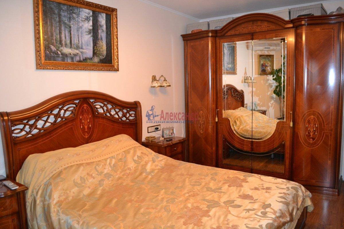 1-комнатная квартира (35м2) в аренду по адресу Ударников пр.— фото 1 из 6
