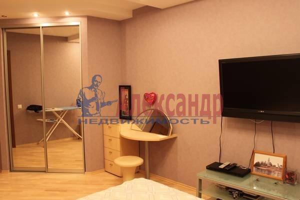 2-комнатная квартира (56м2) в аренду по адресу Славы пр., 12— фото 3 из 7