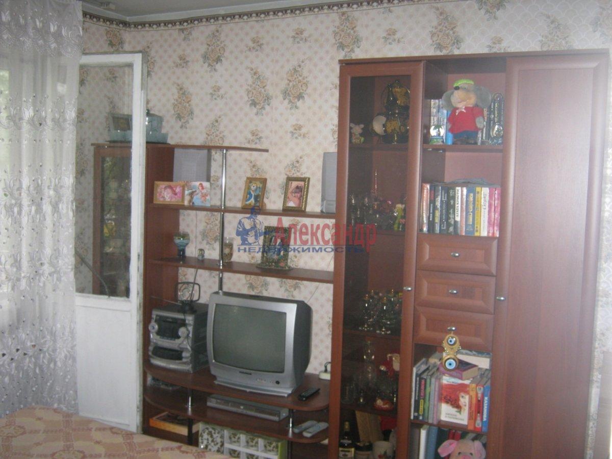 1-комнатная квартира (32м2) в аренду по адресу Бухарестская ул., 23— фото 2 из 2