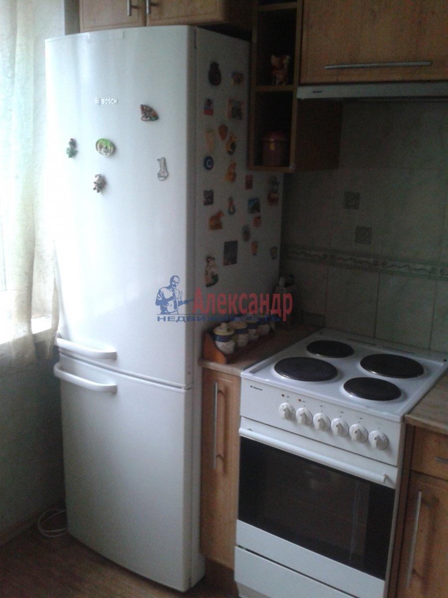 Комната в 4-комнатной квартире (74м2) в аренду по адресу Энгельса пр., 130— фото 3 из 7