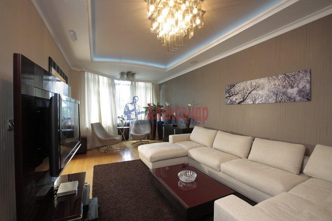 2-комнатная квартира (90м2) в аренду по адресу 10 линия В.О., 17— фото 1 из 3