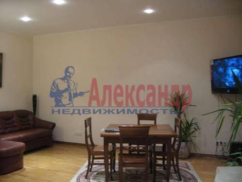 3-комнатная квартира (85м2) в аренду по адресу Типанова ул., 8— фото 1 из 10