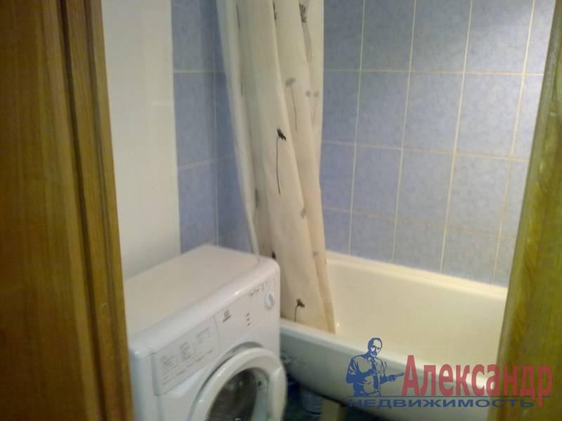 1-комнатная квартира (40м2) в аренду по адресу Просвещения пр., 102— фото 3 из 3