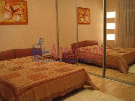 3-комнатная квартира (80м2) в аренду по адресу Кораблестроителей ул.— фото 1 из 7