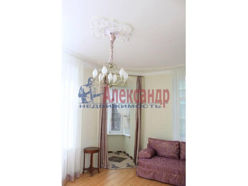 3-комнатная квартира (80м2) в аренду по адресу 6 Красноармейская ул., 12— фото 6 из 9