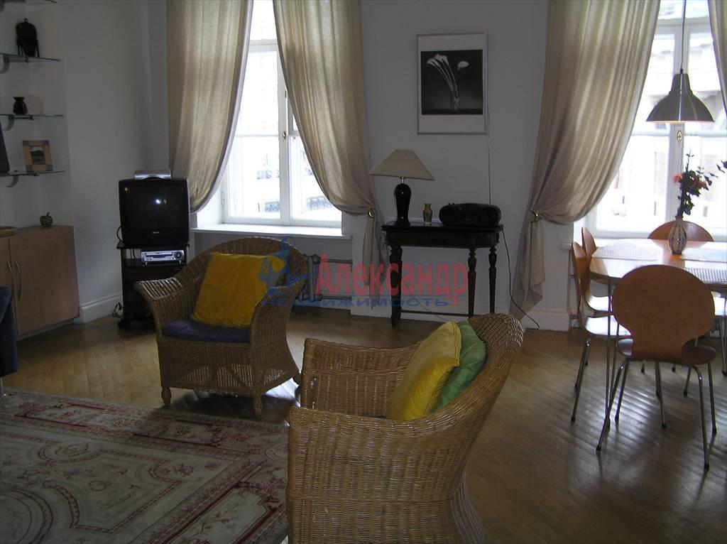 2-комнатная квартира (60м2) в аренду по адресу Реки Мойки наб., 6— фото 2 из 4