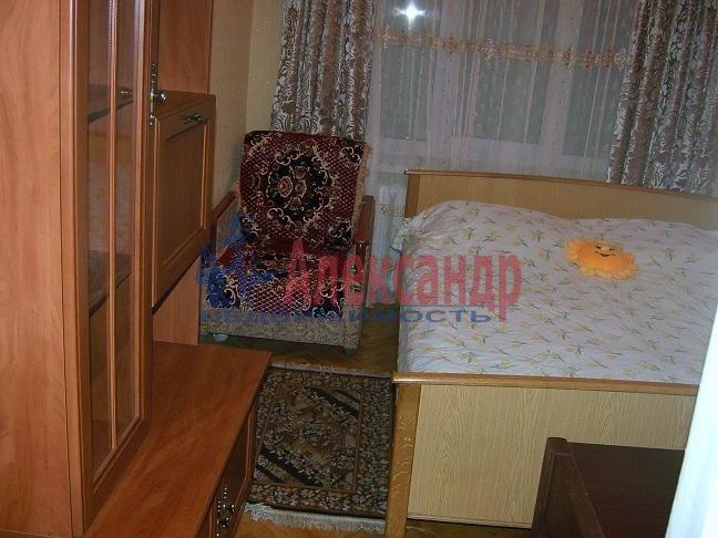 1-комнатная квартира (33м2) в аренду по адресу Купчинская ул., 33— фото 3 из 3