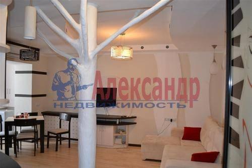 2-комнатная квартира (70м2) в аренду по адресу Малая Морская ул., 16— фото 2 из 5