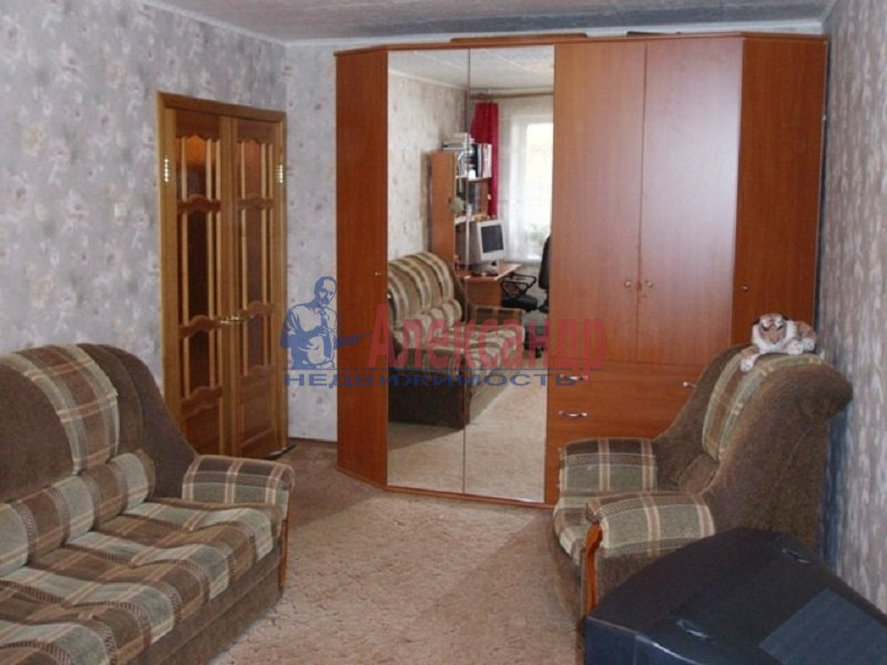 1-комнатная квартира (36м2) в аренду по адресу Луначарского пр., 39— фото 1 из 3