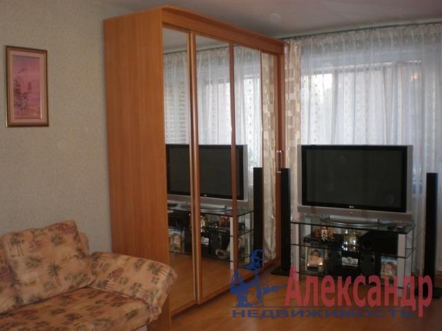 2-комнатная квартира (52м2) в аренду по адресу Десантников ул., 20— фото 1 из 4