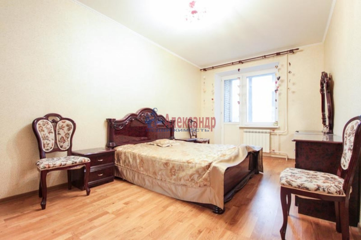 3-комнатная квартира (100м2) в аренду по адресу Ветеранов пр., 52— фото 2 из 11