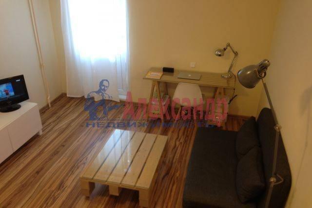 1-комнатная квартира (35м2) в аренду по адресу Мечникова пр., 5— фото 1 из 4