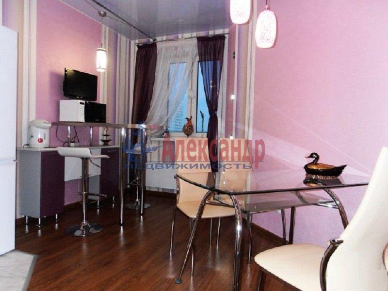 1-комнатная квартира (36м2) в аренду по адресу Богатырский пр., 51— фото 2 из 5