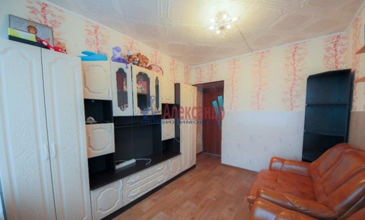 3-комнатная квартира (70м2) в аренду по адресу Композиторов ул., 24— фото 2 из 7