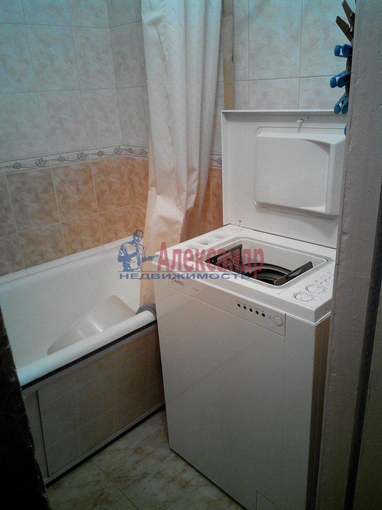 1-комнатная квартира (40м2) в аренду по адресу Мартынова наб., 74— фото 4 из 5