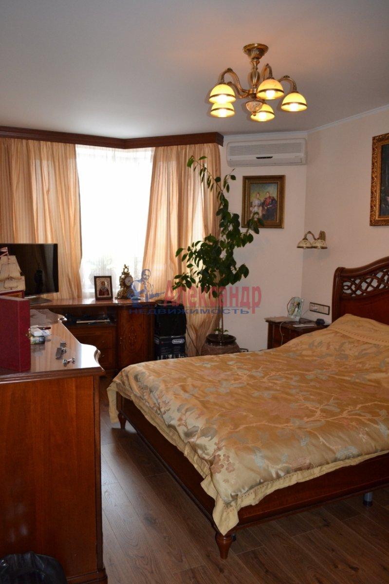 1-комнатная квартира (35м2) в аренду по адресу Ударников пр.— фото 2 из 6
