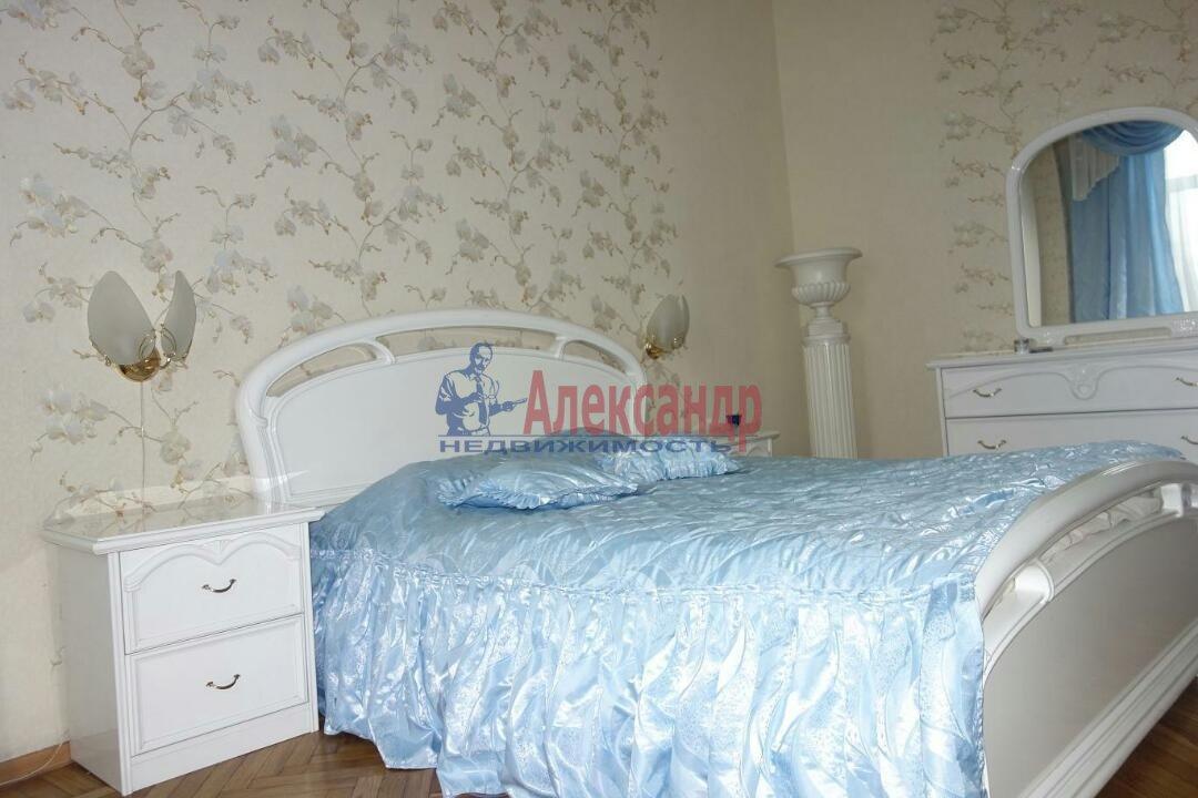 2-комнатная квартира (74м2) в аренду по адресу Кронверкский пр., 23— фото 1 из 9