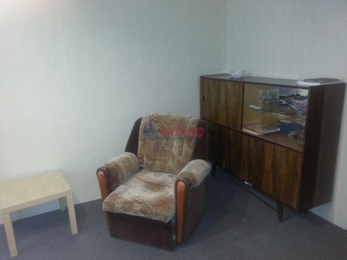 3-комнатная квартира (49м2) в аренду по адресу Лени Голикова ул., 24— фото 4 из 20