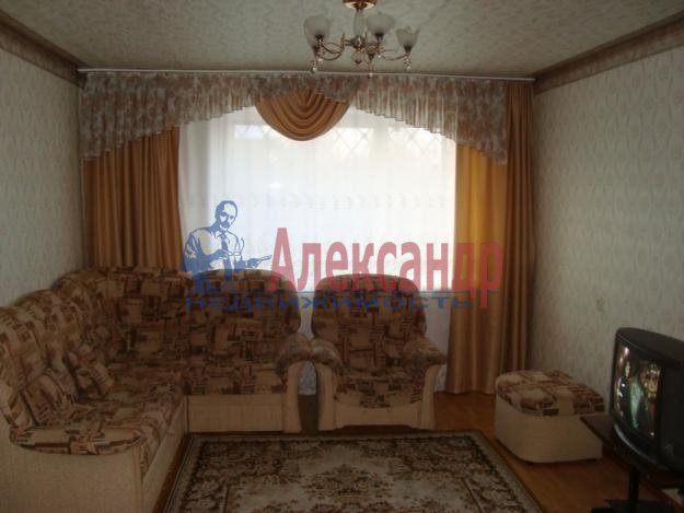 1-комнатная квартира (44м2) в аренду по адресу Колпино г., Советский бул., 10— фото 1 из 2