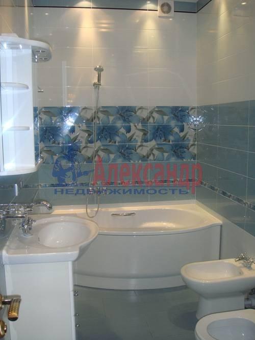 2-комнатная квартира (65м2) в аренду по адресу Ленсовета ул., 88— фото 9 из 13