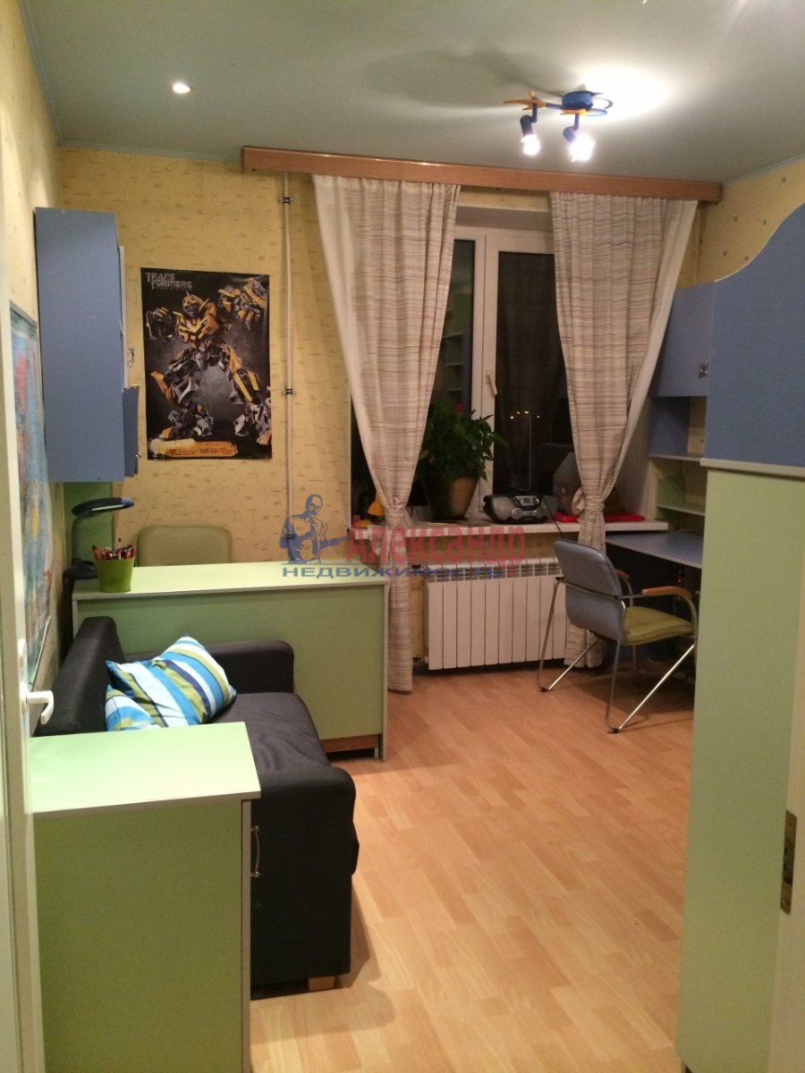 3-комнатная квартира (60м2) в аренду по адресу Киришская ул., 4— фото 2 из 9