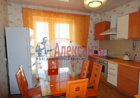 2-комнатная квартира (70м2) в аренду по адресу Кораблестроителей ул., 30— фото 3 из 5