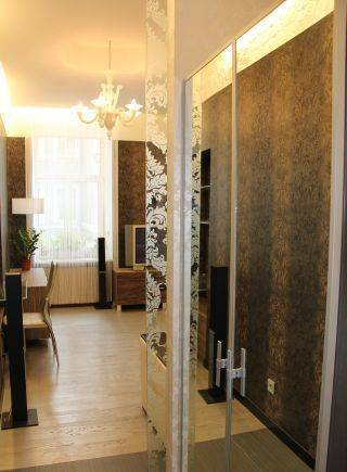 1-комнатная квартира (42м2) в аренду по адресу Невский пр., 40— фото 2 из 5