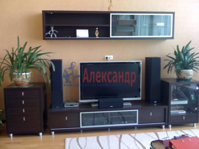 3-комнатная квартира (110м2) в аренду по адресу Московский просп., 220— фото 3 из 11