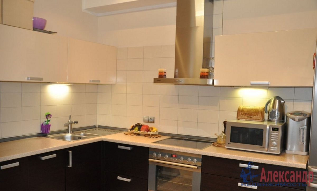 4-комнатная квартира (140м2) в аренду по адресу Куйбышева ул., 26— фото 4 из 4