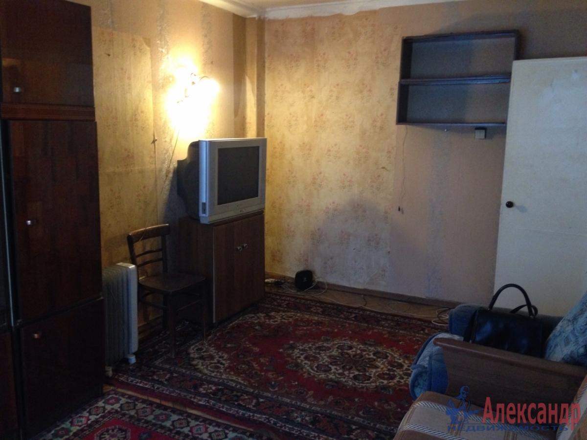 1-комнатная квартира (30м2) в аренду по адресу Грибакиных ул., 2— фото 3 из 10