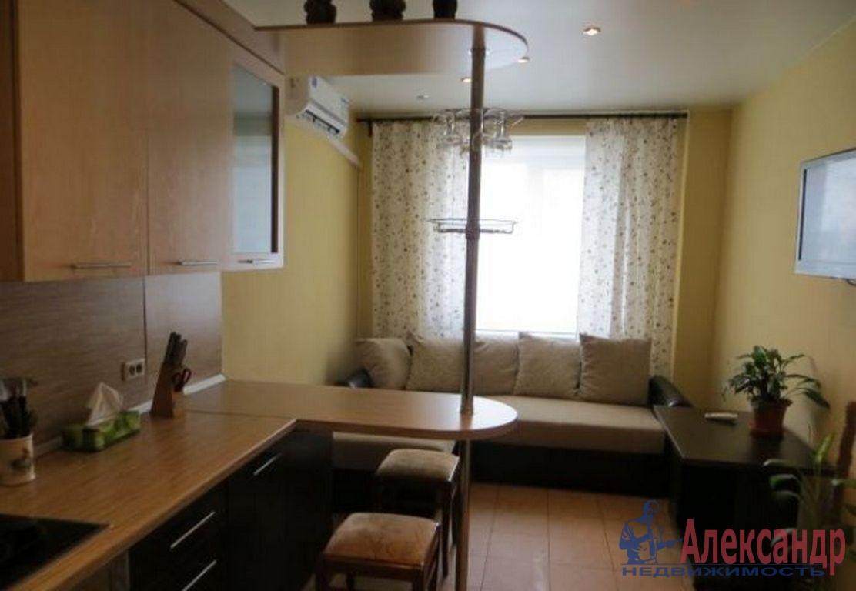 2-комнатная квартира (60м2) в аренду по адресу Ленсовета ул., 88— фото 3 из 4