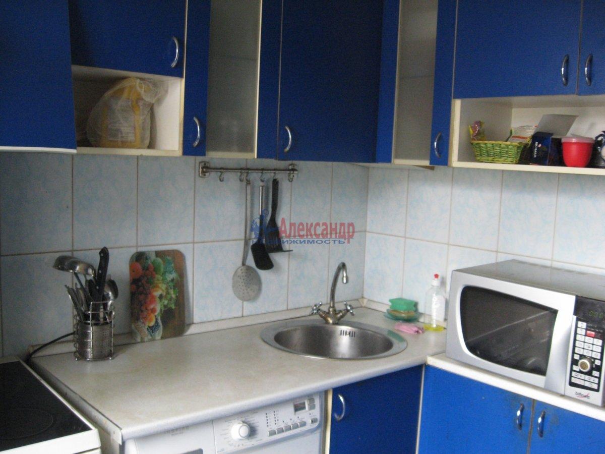 Комната в 2-комнатной квартире (55м2) в аренду по адресу Пограничника Гарькавого ул., 40— фото 1 из 6
