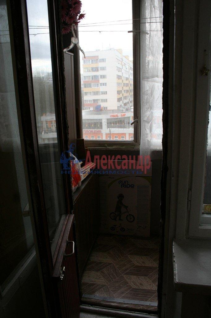 1-комнатная квартира (35м2) в аренду по адресу Маркина ул., 7— фото 2 из 2