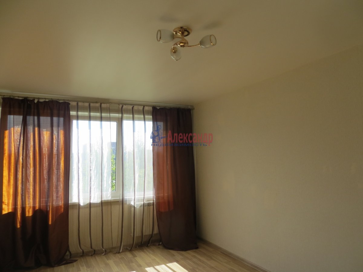 1-комнатная квартира (40м2) в аренду по адресу Московское шос., 34— фото 3 из 8