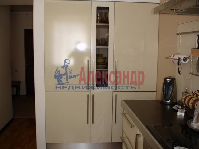 3-комнатная квартира (92м2) в аренду по адресу Клочков пер., 6— фото 4 из 9