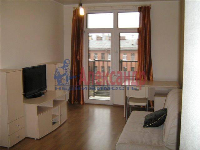 1-комнатная квартира (35м2) в аренду по адресу Исполкомская ул., 4— фото 1 из 8