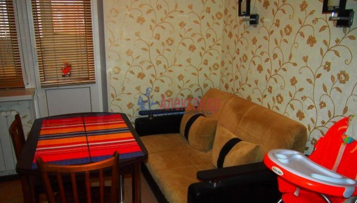 1-комнатная квартира (36м2) в аренду по адресу Михаила Дудина ул., 25— фото 2 из 2