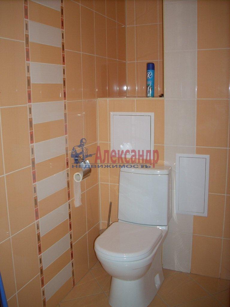 1-комнатная квартира (35м2) в аренду по адресу Смольный пр., 7— фото 3 из 3