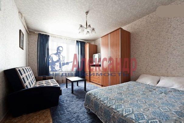 1-комнатная квартира (39м2) в аренду по адресу Богатырский пр., 24— фото 2 из 4