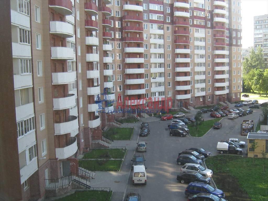 2-комнатная квартира (80м2) в аренду по адресу Вавиловых ул., 7— фото 4 из 7