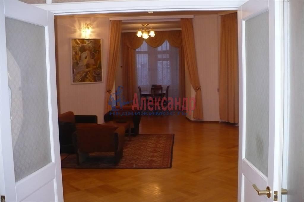 3-комнатная квартира (160м2) в аренду по адресу Реки Карповки наб., 32— фото 1 из 7