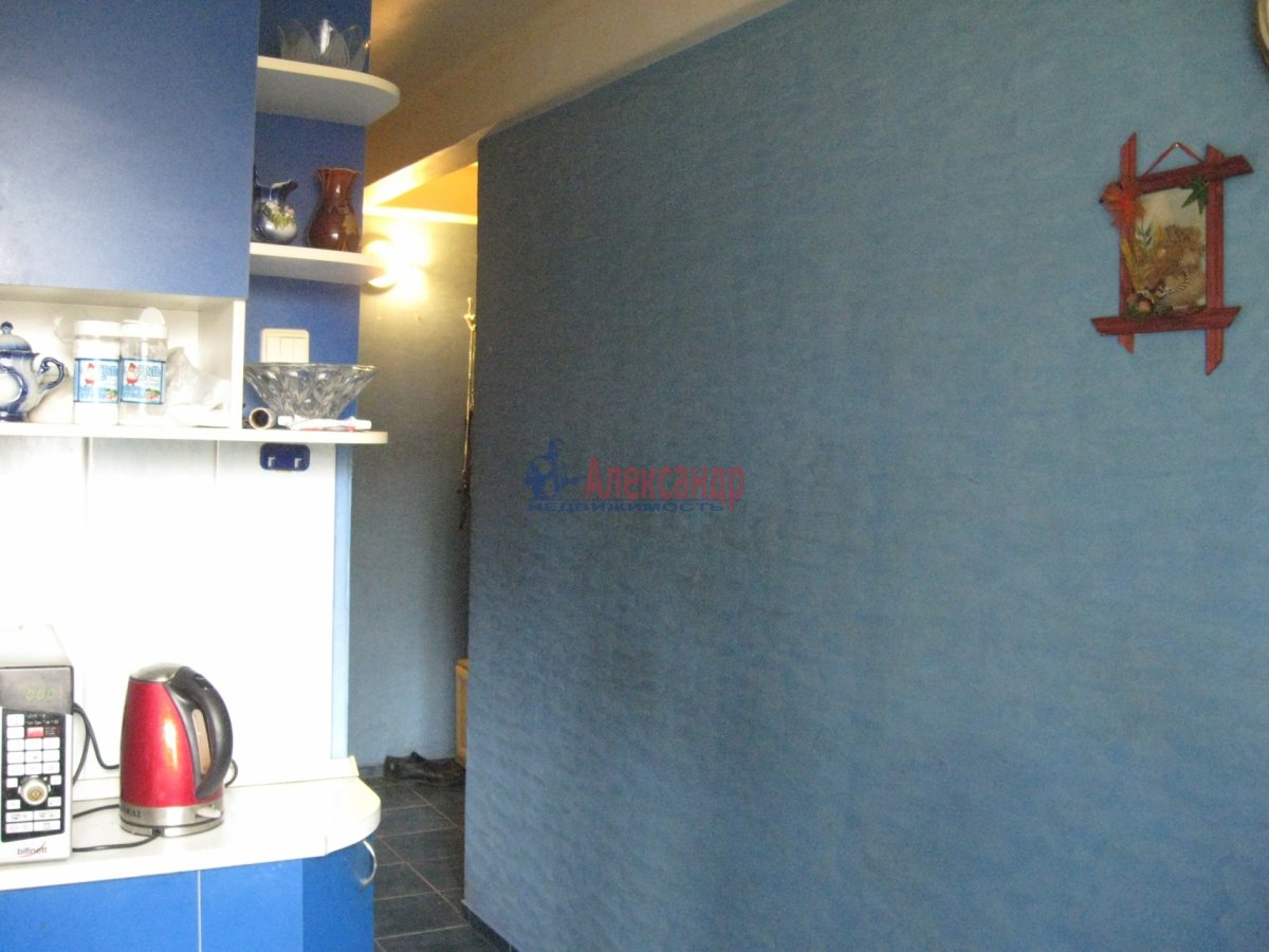 Комната в 2-комнатной квартире (55м2) в аренду по адресу Пограничника Гарькавого ул., 40— фото 2 из 6