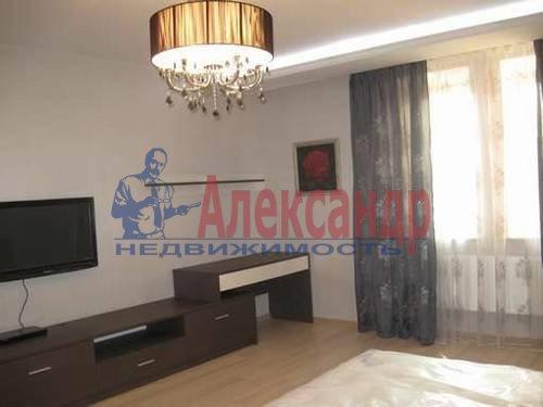 1-комнатная квартира (52м2) в аренду по адресу Восстания ул., 6— фото 3 из 8