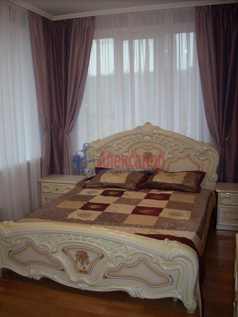 1-комнатная квартира (35м2) в аренду по адресу Смольный пр., 7— фото 1 из 3
