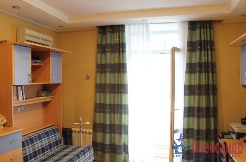 2-комнатная квартира (70м2) в аренду по адресу Обуховской Обороны пр., 209— фото 2 из 5