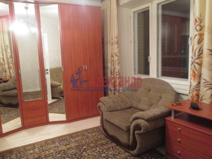1-комнатная квартира (40м2) в аренду по адресу Шуваловский пр., 88— фото 2 из 3